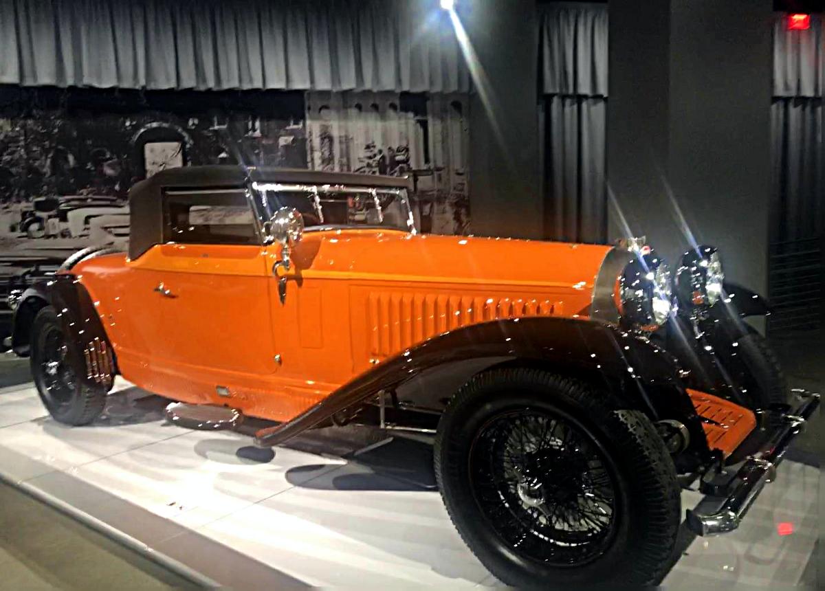 Petersen Automotive Museum-Old Bugatti
