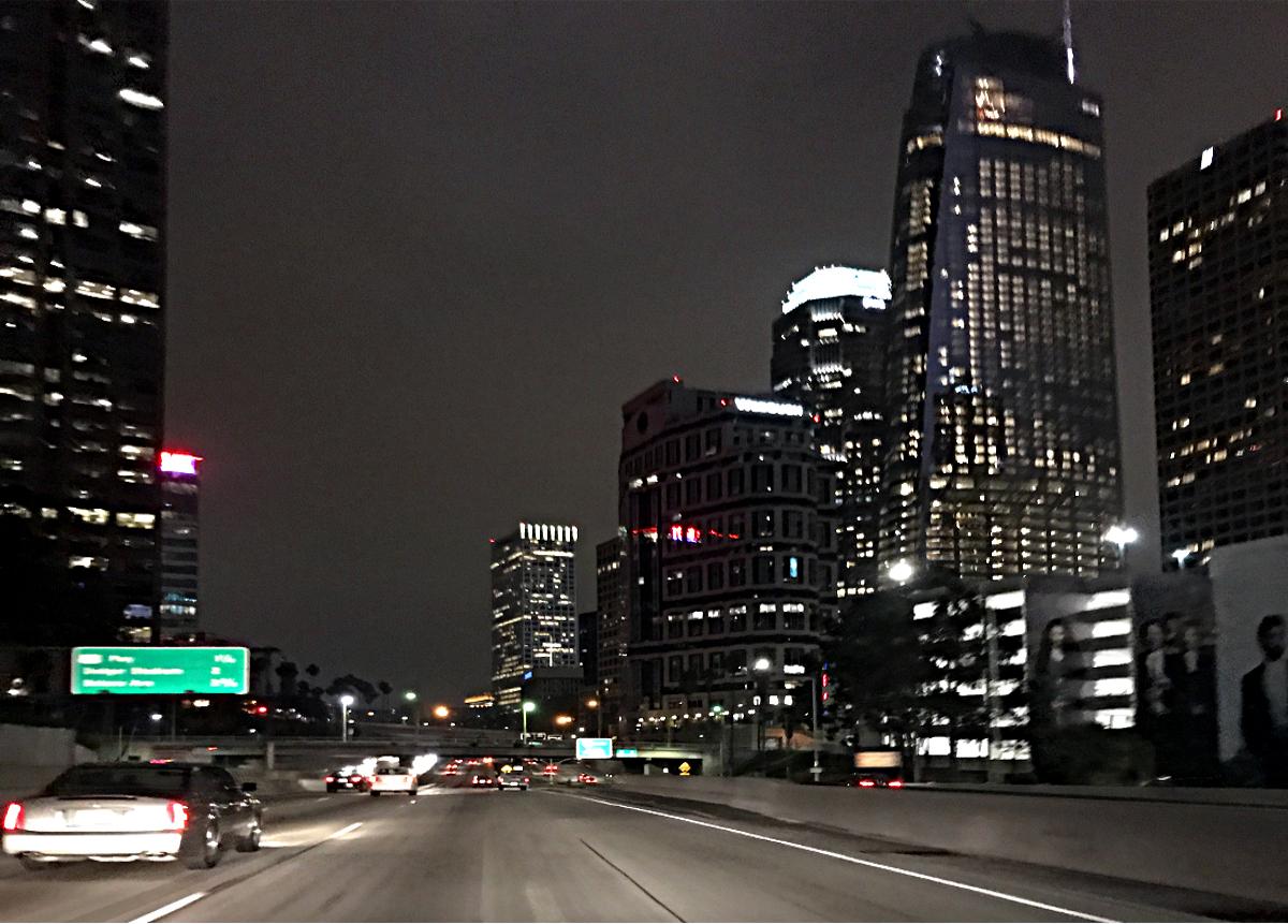 Centrum Los Angeles w nocy