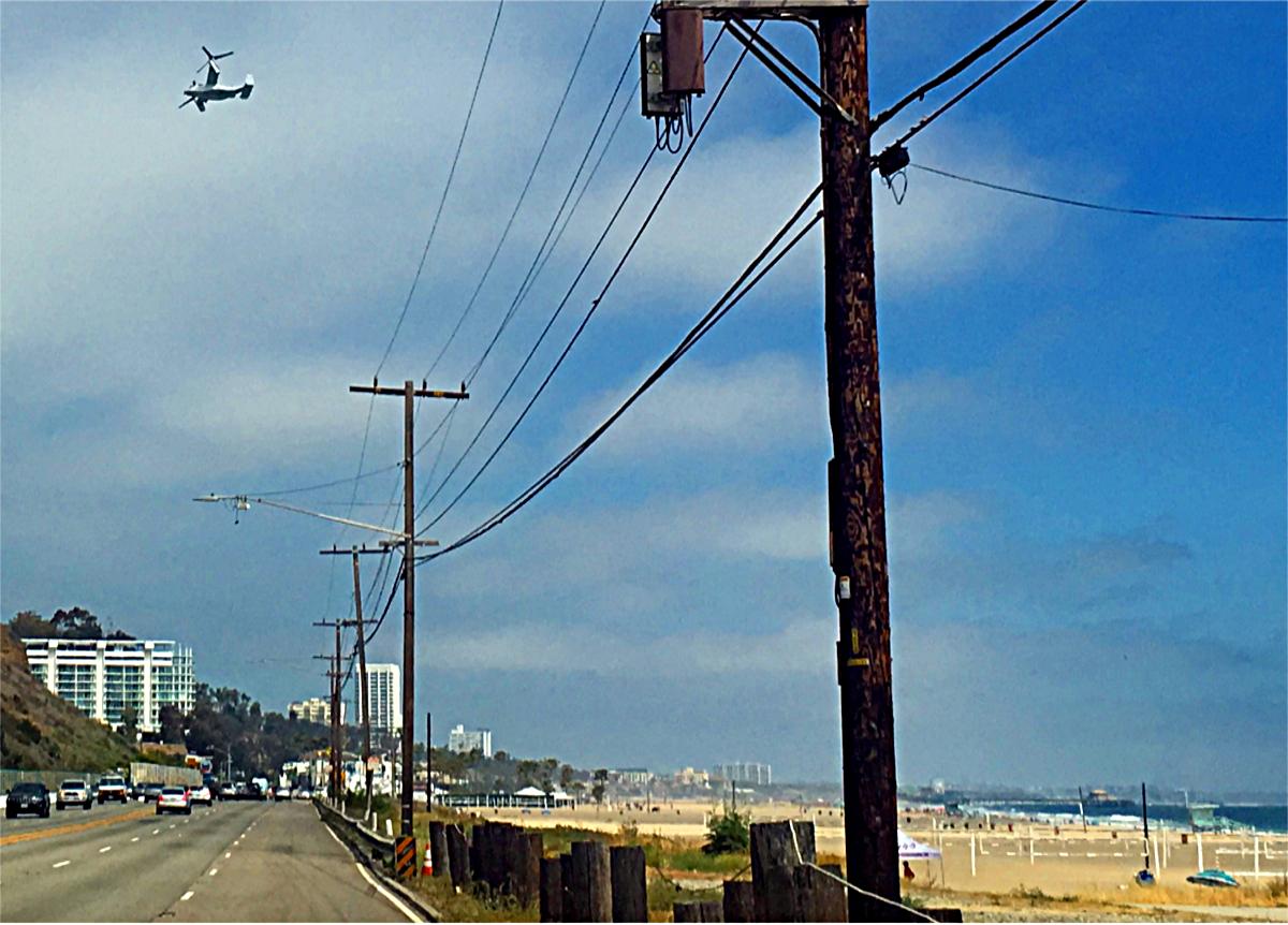 Bilety Lotnicze-Samolot V-22 Osprey Santa Monica Beach