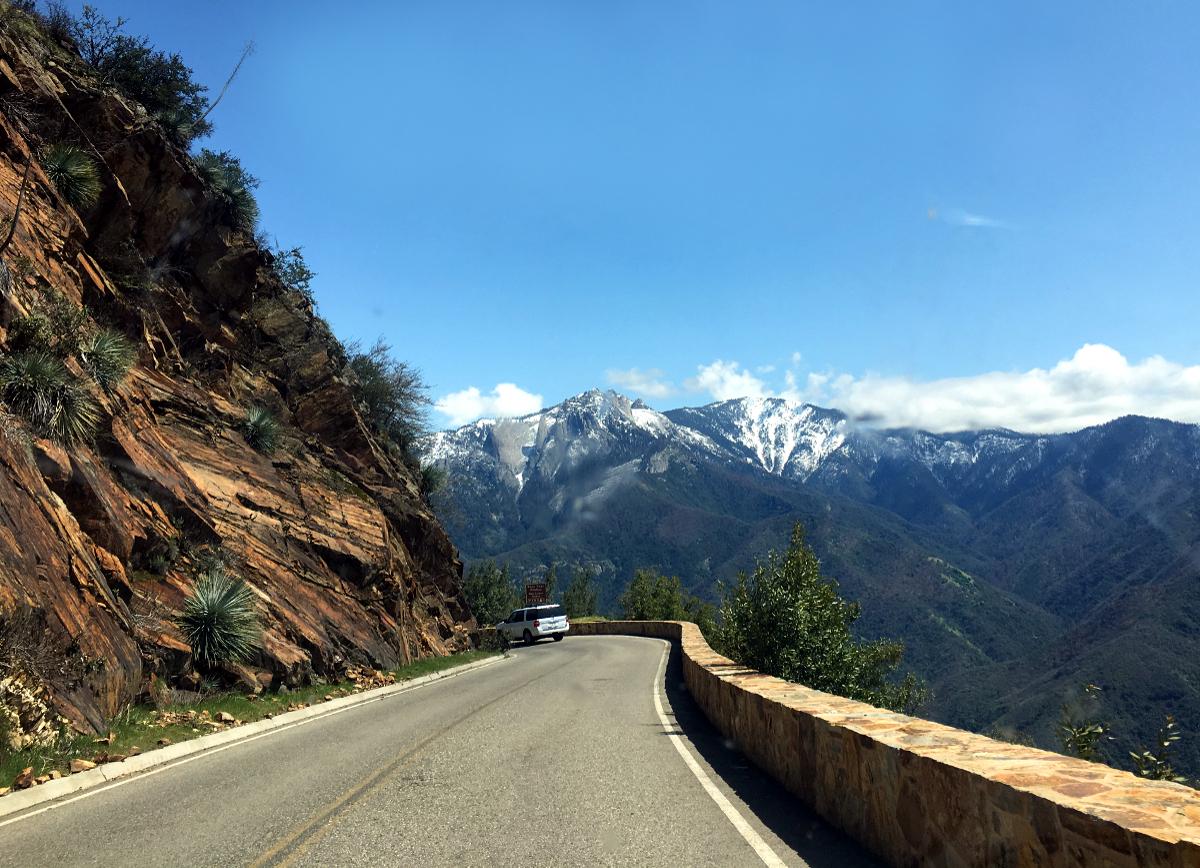 Sequoia National Park-Main road